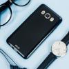 Olixar FlexiShield Samsung Galaxy J5 2016 Gel Case - Effen Zwart