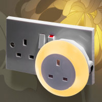 AGL Plug Through Colour Changing LED Night Light