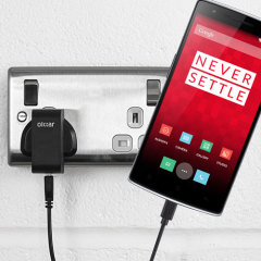 Charge your OnePlus One quickly and conveniently with this 2.4A high power charging kit. Featuring mains adapter and USB cable.