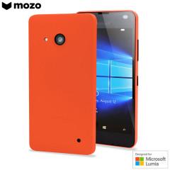 Ce cache batterie pour Microsoft Lumia 550 de chez Mozo protègera votre téléphone en ajoutant une touche d'élégance. De plus elle possède l'appellation « Conçu pour le Microsoft Lumia 550 », preuve qu'elle répond aux normes de qualité Microsoft.