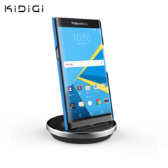 Synchronise and charge your BlackBerry Priv with this stylish and case compatible desktop dock which also acts as a multimedia stand.