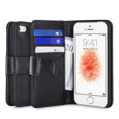 Een geraffineerde lichtgewicht case van echt zwart leer met een magnetische sluiting. De Olixar echt leren wallet case is de perfecte bescherming voor je iPhone SE en biedt ook gleufjes voor je pasjes, kleingeld en documenten.