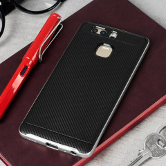 Protect your Huawei P9 with this stunning premium shell case in carbon fibre black and silver. Made with tough yet slim material, this hardshell body with a sleek metallic-style bumper features an attractive two-tone finish.