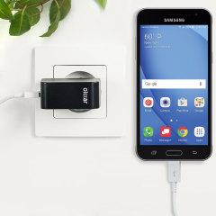 Cargue su Samsung Galaxy J3 2016 u otros dispositivos USB de manera rápida y eficiente gracias a este cargador Olixar compatible con la carga rápida hasta 2.4A. Se incluye también un cable con conexión Micro USB.