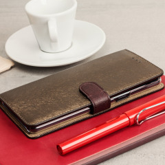 The Hansmare Calf Wallet Case in brown for the Samsung Galaxy Note 7 provides exceptional protection in a slim and sleek package. The interior of the case features a genuine leather pocket with slots for your cards and document.