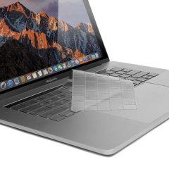 Protégez le clavier de votre MacBook Pro 13 avec Touch Bar de la poussière, des griffures et autres rayures accidentelles à l'aide de cette protection clavier de la marque Devia.