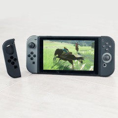 Keep your left and right Nintendo Switch Joy-Con controllers safe, clean and protected, while maintaining their sleek, attractive style with this flexible silicone cover.