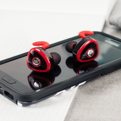 The KSound earphones provide top-class audio quality and a sleek, modern design, as well as an impressive 4-hour play time - all without a single cable in sight.