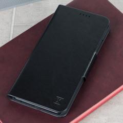 La housse Huawei P10 Plus Olixar Portefeuille en coloris noir a été conçue à partir d'un matériau simili cuir résistant et durable et offre à votre smartphone une superbe protection. Polyvalente, elle intègre en son rabat des compartiments dédiés au rangement de vos cartes mais elle intègre également un astucieux support de visualisation. Vous pouvez désormais laisser votre ancien portefeuille chez vous et ne prendre que l'essentiel.