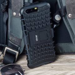 Protégez votre Huawei P10 Plus des chocs et des éraflures grâce à cette coque ArmourDillo en coloris noir. Cette coque est composée d'un boîtier interne en TPU et d'un exosquelette externe résistant aux impacts. Elle comprend par ailleurs un support de visualisation intégré.