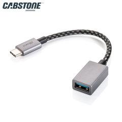 Convierta su puerto USB-C en una entrada USB 3.0 de tamaño completo y utilice tarjetas de memoria, lectores de tarjetas, teclados y más en su dispositivo USB-C. Con una velocidad de transferencia de hasta 5 Gbps, sus archivos se copiarán rápidamente.