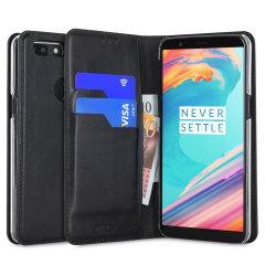 Elegante Ledertasche für das OnePlus 5T mit Magnetverschluss und integrierten Staufächern für Kreditkarten.