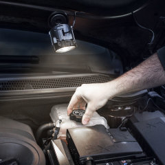 With this car magnetic spotlight from Type S, you can illuminate your vehicle's engine or bodywork to check for any faults, top up fluids or view any damage in the dark. Comes complete with a 3m cable for maximum reach.