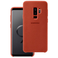 Protect your Samsung Galaxy S9 Plus with this Official Alcantara case in red. Stylish and protective, this case is the perfect accessory for your Galaxy S9 Plus.