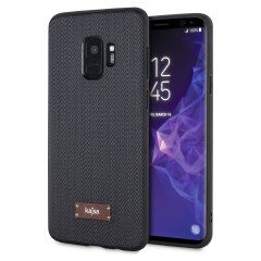 The Tweed Pattern case from Kajsa adds a wonderfully idiosyncratic vintage tweed effect to your Samsung Galaxy S9, complemented by a protective grey TPU frame. Form meets function in this elegant, effective cover, in dark grey.