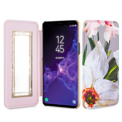 Ever wanted to check how you're looking on the go? With the Ted Baker Chatsworth Bloom Mirror Folio case for the Galaxy S9, you can do just that thanks to a concealed mirror on the inside of the case's flip cover.