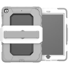 The Griffin Survivor Medical case for iPad 9.7 2018 has been designed specifically for use in a medical environment. This durable, super tough case has been drop tested on concrete and repeatedly disinfected to prove its eligibility for hospitals.
