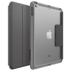 La coque iPad 9.7 2018 OtterBox UnlimitEd Folio en coloris gris ardoise a été spécialement conçue pour les étudiants lors des diverses utilisations possibles en classe. Incroyablement robuste et résistante, elle est tout simplement parfaite contre les aléas accidentels du quotidien.