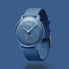 The beauty of analogue with the intelligence of digital, the Withings Activité Pop in blue is a watch featuring a classic analogue design that includes built-in fitness tracking that connects to your smartphone for activity data monitoring