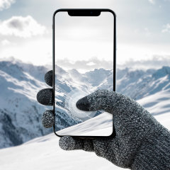The Smart TouchTip Unisex Gloves in dark grey from Olixar feature a rubberised grip and allow you to operate your touchscreen device while wearing gloves, so you have full use of your smartphone or tablet outside and still keep your hands warm.