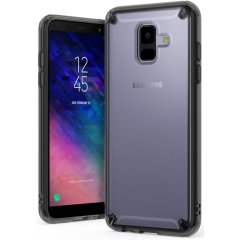 Protégez votre nouveau Samsung Galaxy A6 2018 avec la coque Rearth Ringke Fusion en coloris noir transparent (noir fumée). Totalement translucide, elle met parfaitement en valeur le superbe design et les lignes épurées de votre smartphone, tout en le protégeant des chocs et des rayures à tout instant.