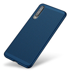 A supremely precision engineered lightweight slimline case in blue with a perforated mesh pattern that looks great, adds grip and aids heat dissipation from your Huawei P30, as well as enhance the high performance beauty of the device.