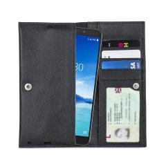 Protégez avec élégance votre Alcatel 7 à l'aide de la pochette Olixar Primo en coloris noir. Fabriquée à partir d'un cuir véritable de haute qualité et dotée d'une finition cousue avec précision, d'une fermeture à bouton sécurisée, et d'une doublure interne douce, elle assure une protection optimale à votre smartphone. Par ailleurs, elle comprend des emplacements dédiés pour vos différentes cartes ainsi que vos documents les plus importants.