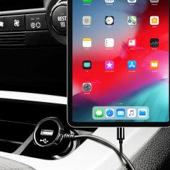 Mit diesem leistungsstarken 2.4A Autoladegerät mit ausziehbarem Spiralkabel können Sie Ihr Apple iPad Pro 11 auch unterwegs voll aufladen. Als zusätzlichen Bonus können Sie ein zusätzliches USB-Gerät über den integrierten USB-Anschluss aufladen!