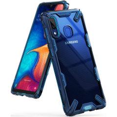 Protégez votre Samsung Galaxy A20 des chocs et des chutes à l'aide de la coque Rearth Ringke Fusion X en coloris bleu espace. Dotée d'un design polycarbonate en 2 parties, cette superbe coque respecte les normes protectrices et anti-chute militaire. Soyez assuré à ce que votre smartphone soit en parfaite sécurité.