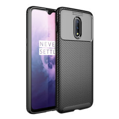 Flexible rugged casing with a premium matte finish non-slip carbon fibre and brushed metal design, the Olixar case in black keeps your OnePlus 7 protected.