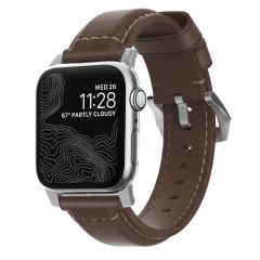 Con questo bellissimo cinturino da polso tradizionale in pelle marrone rustico di alta qualità di Nomad con hardware argento, esprimi te stesso e personalizza il tuo nuovo e bellissimo Apple Watch Series 1-4 per soddisfare il tuo personale senso dello stile.