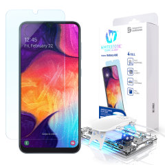 Whitestones Dome Glass skjermbeskytter til Samsung Galaxy A50s blir festet med UV-lim for å sikre total beskyttelse og perfekt passform til din enhet. Skjermbeskytteren har en hardhet på 9H, så vel som 100% bevaring av berøringsfølsomhet.