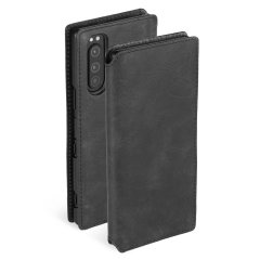 This Krusell Wallet Case in Vintage Black has a slim and sleek design, complimented by its genuine leather material folded around the phone for protection and style. This case enables you to easily store your cards for maximum convenience.