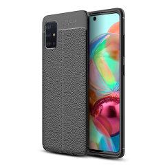 For en følelse av eksklusiv, minimalistisk klasse trenger du ikke lete lenger enn til Attache-dekselet for Samsung Galaxy A71 fra Olixar. Fleksibel, langvarig beskyttelse av enheten din med en myk, teksturert lærimitasjon; dette dekselet er siste mote.