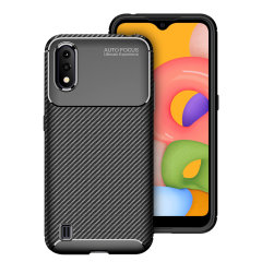 Olixar Carbon Fibre case is a perfect choice for those who need both the looks and protection! A flexible TPU material is paired with an eye-catching carbon print to make sure your Samsung Galaxy A01 is well-protected and looks good in any setting.