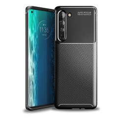 Olixar Carbon Fibre case is a perfect choice for those who need both the looks and protection! A flexible TPU material is paired with an eye-catching carbon print to make sure your Motorola Edge is well-protected and looks good in any situation.