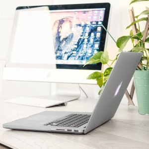 "Funda MacBook Pro Retina 15"" ToughGuard - Transparente"