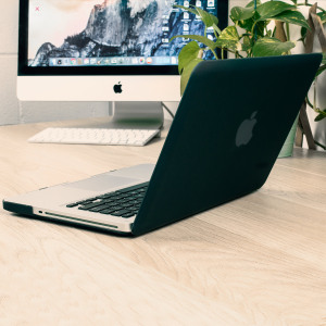 The ToughGuard Hard Case in black gives your MacBook Pro 13 inch the protection it needs without adding any unnecessary bulk.