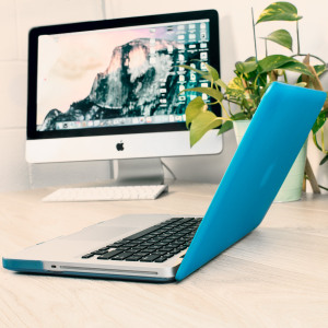 The ToughGuard Hard Case in blue gives your MacBook Pro 13 inch the protection it needs without adding any unnecessary bulk.