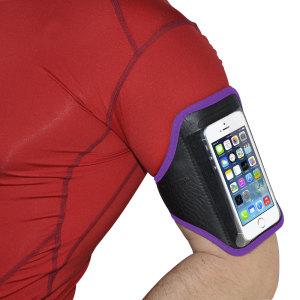 Lleve su smartphone de forma segura mientras corre, juega, salta ... con este Brazalete Deportivo Universal para Smartphones Medianos. Resistente al agua, transpirable y fabricado de un material ligero.