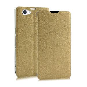 A bolsa Pudini Flip and Stand Satin Style é uma bolsa leve com uma ventosa prática. Ideal para proteger o seu Sony Xperia Z2. Pode servir de suporte para ver conteúdo. Cor em ouro.