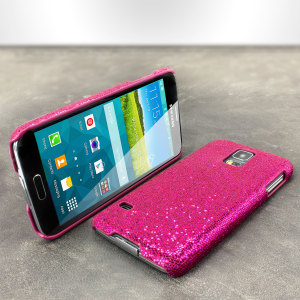 The magenta glitter case for the Samsung Galaxy S5 boasts a slim protective design, which sparkles with a glitter coated polished finish.
