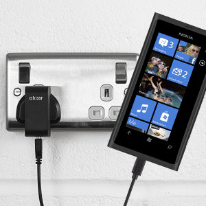Charge your Nokia Lumia 800 quickly and conveniently with this compatible 2.4A high power charging kit. Featuring mains adapter and USB cable.