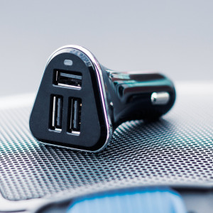 Charge 3 USB devices at the same time with the Olixar Triple USB Super Fast Car Charger with Intelligent Charging. This must have car charging accessory will charge your smartphone, tablet and another device simultaneously.