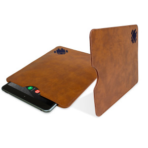 Keep your Nokia N1 in fantastic condition with this beautifully crafted, leather-style pouch case in brown.
