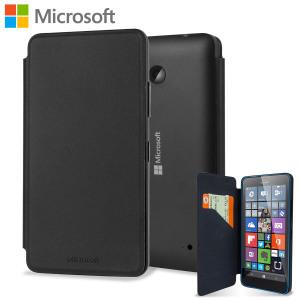 Esta funda oficial con tapa de Microsoft protege su Lumia 640, a la vez que le otorga un diseño elegante. El revestimiento de la tapa con microfibra suave también ayuda a proteger la pantalla.