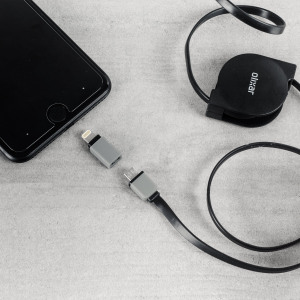 Charge and sync your Micro USB and Lightning devices with the awesome and versatile retractable 1m cable from Olixar in black. Coming complete with dual tips and connector caps, this cable offers a practical way to keep your cable tidy.