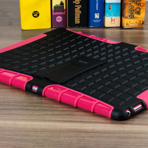 Protect your iPad Pro 12.9 2015 from bumps and scrapes with this pink ArmourDillo case. Comprised of an inner TPU case and an outer impact-resistant exoskeleton, the Armourdillo not only offers sturdy and robust protection, but also a sleek modern style.