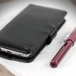 Une élégante housse en cuir véritable de couleur noire avec attache magnétique. Cette housse de chez Olixar offre une protection parfaite pour votre Samsung Galaxy S7 Edge ainsi que les cartes que vous rangerez dedans.