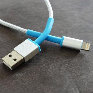 Découvrez le câble Lightning Echo IronWire, celui-ci est assez résistant pour pouvoir remorquer une voiture. Ce câble Lightning extrêment durable et robuste permet de charger et de synchroniser votre smartphone ou votre tablette. Vous pourrez par ailleurs utiliser ce câble depuis un ordinateur fixe ou portable mais également sur un adaptateur secteur USB.